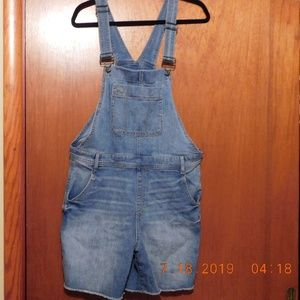 Gap Size Large denim overall shorts
